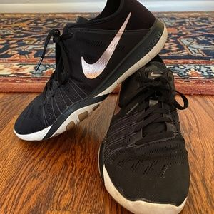 Nike Free TR 6 Black Shoes with Rose Gold Check